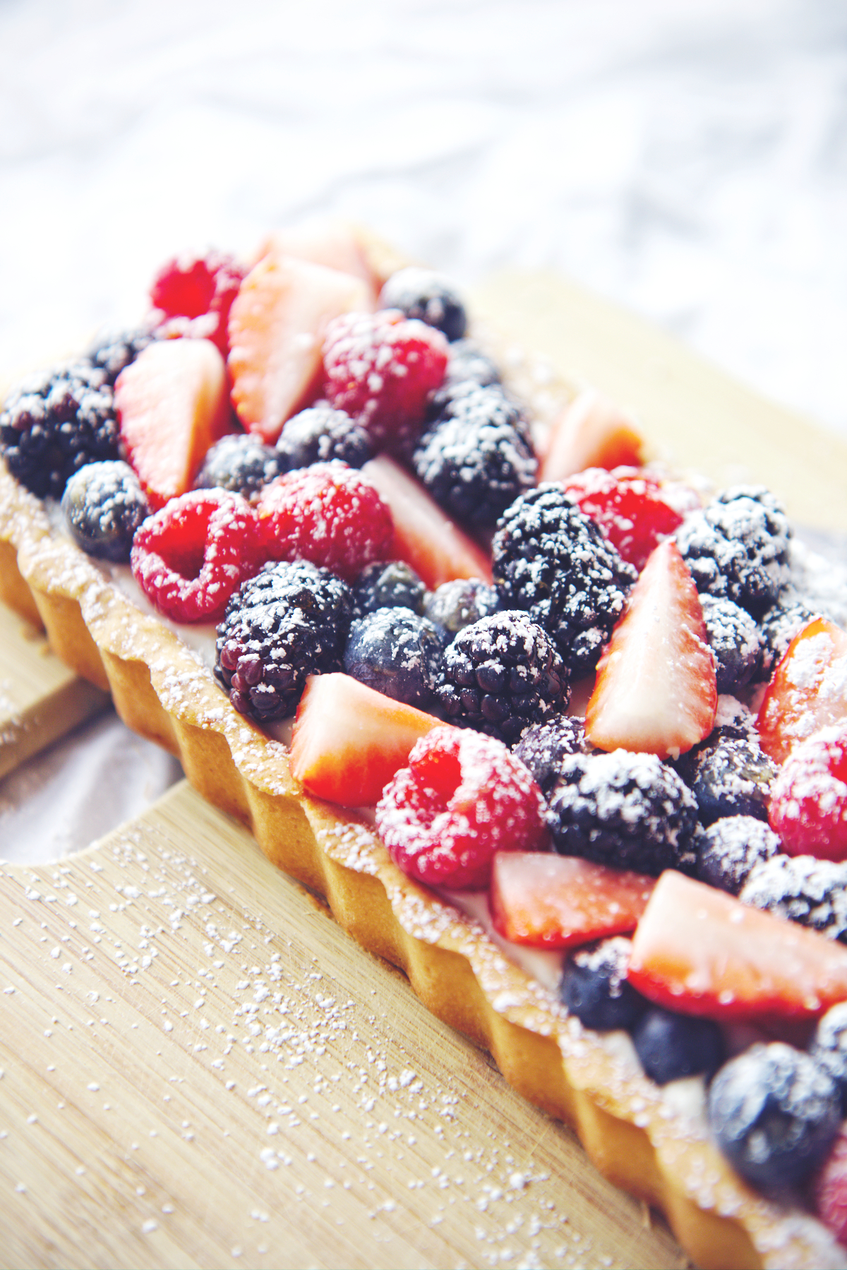 Cream Cheese Berry Tart | La Pêche Fraîche
