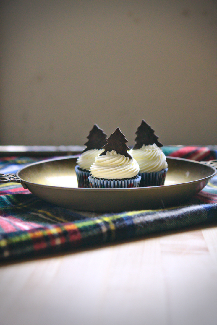 Chocolate and Peppermint Cupcakes | La Pêche Fraîche