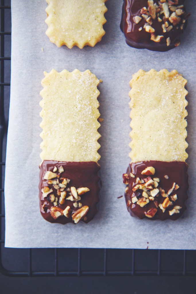 Chocolate Dipped Shortbread | La Pêche Fraîche