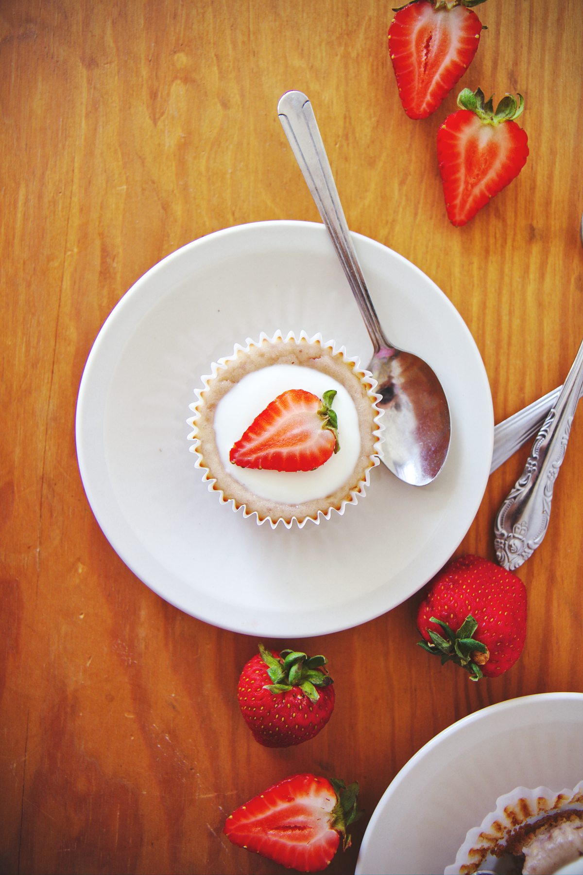 Mini Strawberry Cheesecakes | La Pêche Fraîche