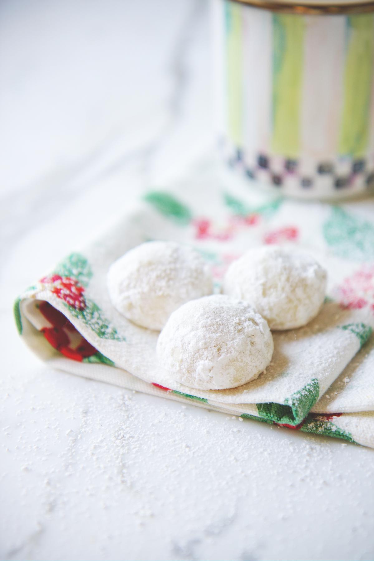 Russian Teacakes | La Pêche Fraîche