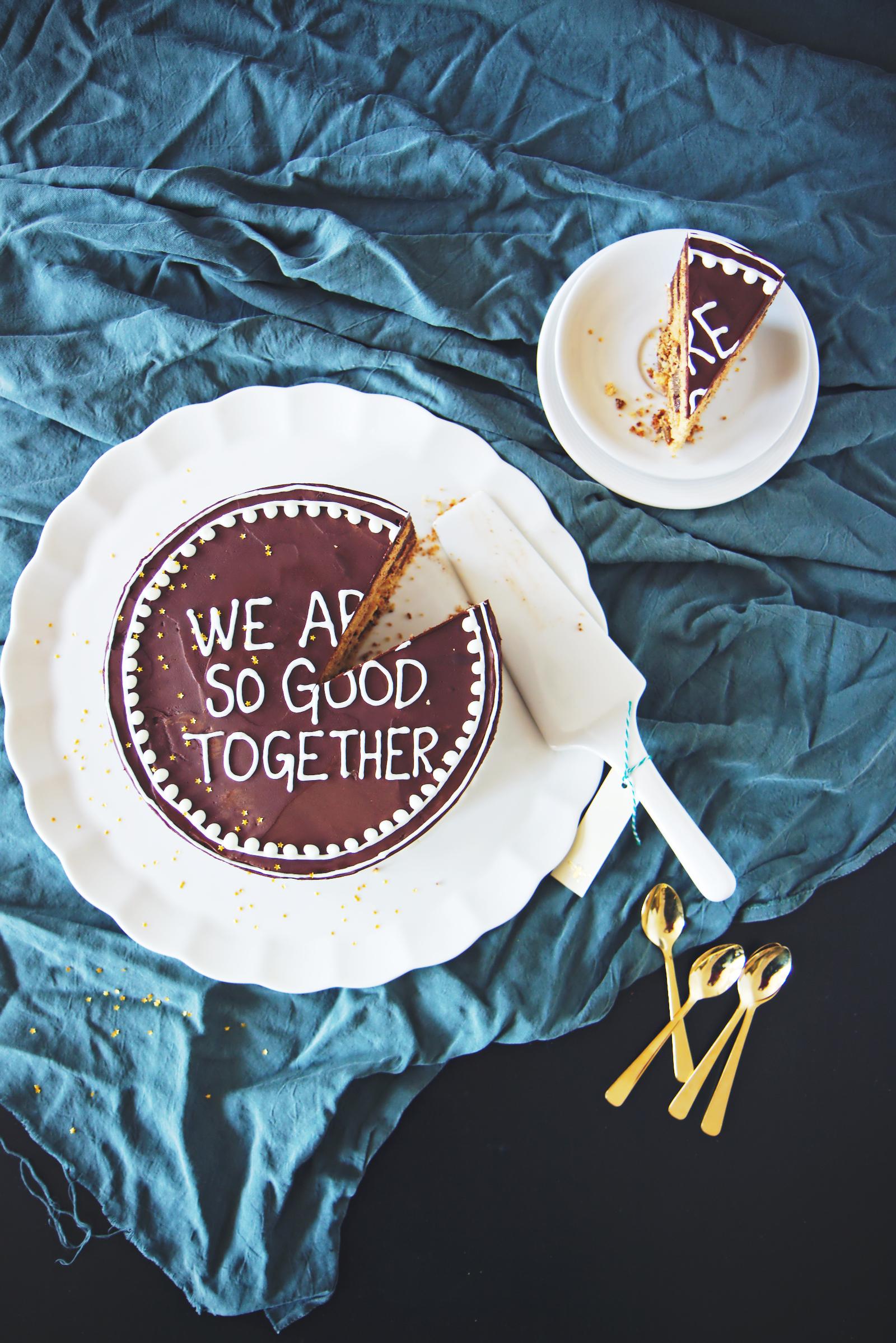 Dark Chocolate Honey Cake | La Pêche Fraîche