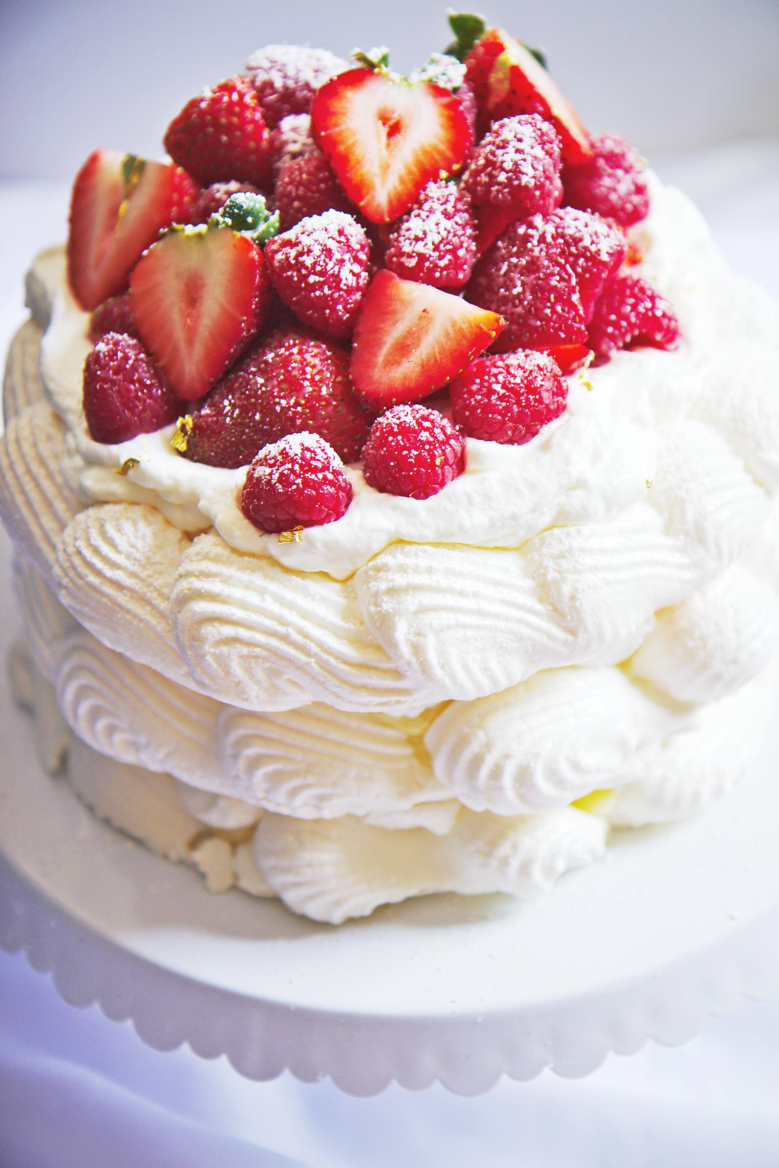 Birthday Pavlova | La Pêche Fraîche