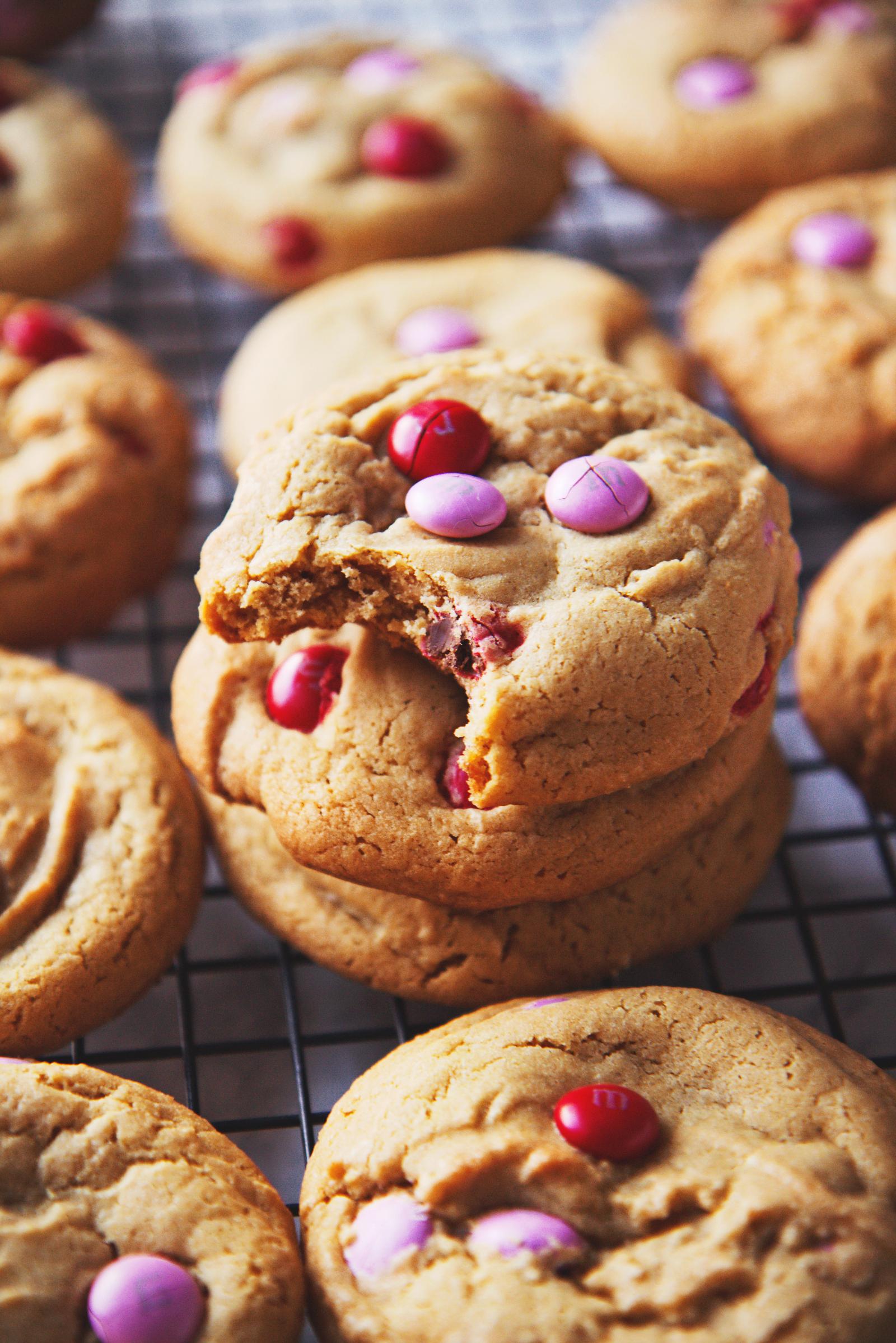 Soft M&M Cookies | La Pêche Fraîche