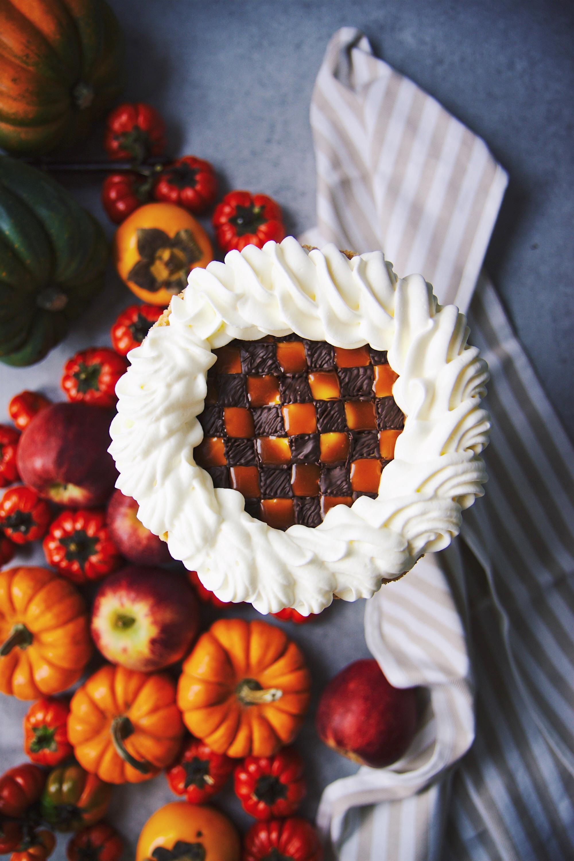 No-Bake Checkerboard Pumpkin Cheesecake | La Pêche Fraîche
