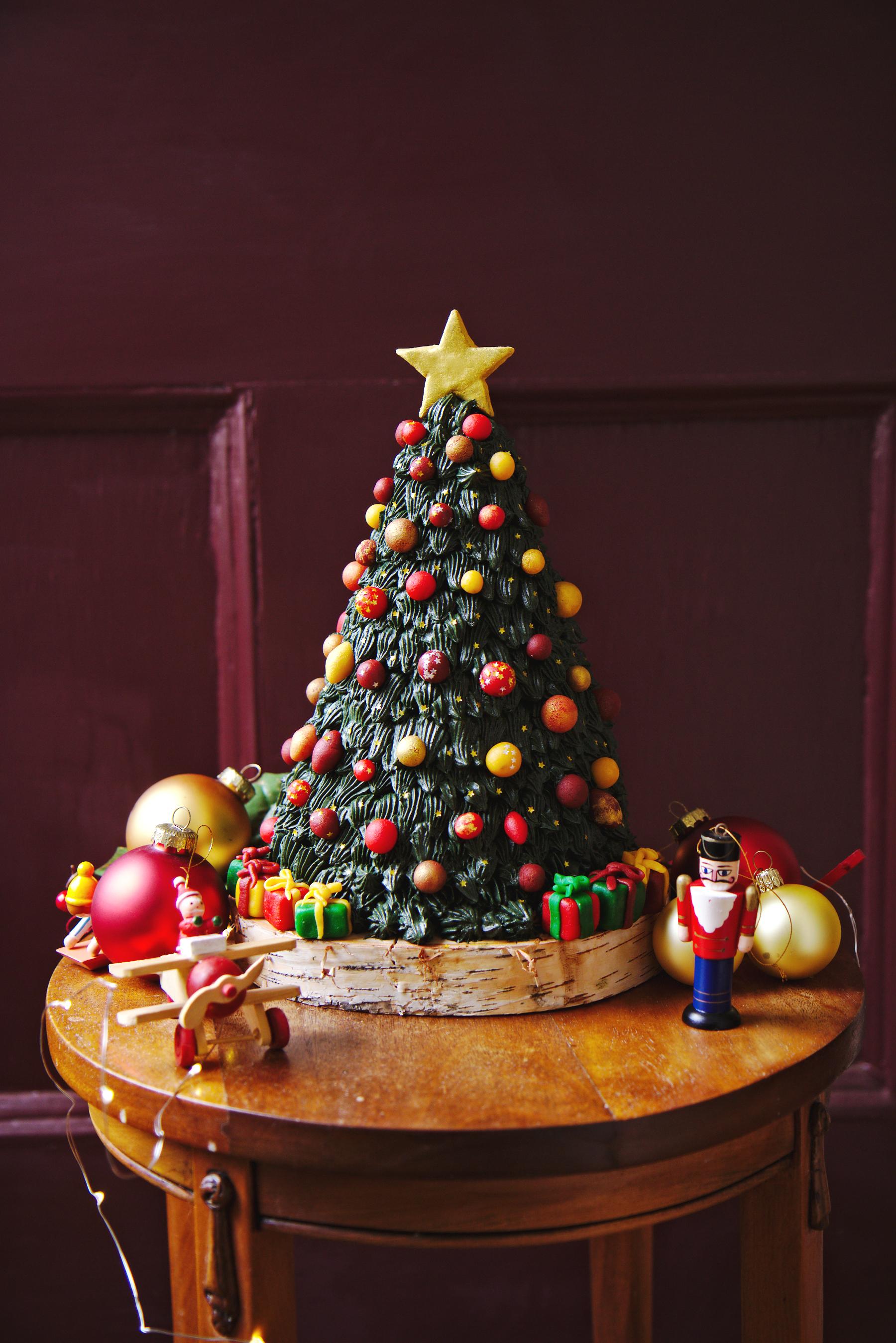 Christmas Tree Cake | La Pêche Fraîche