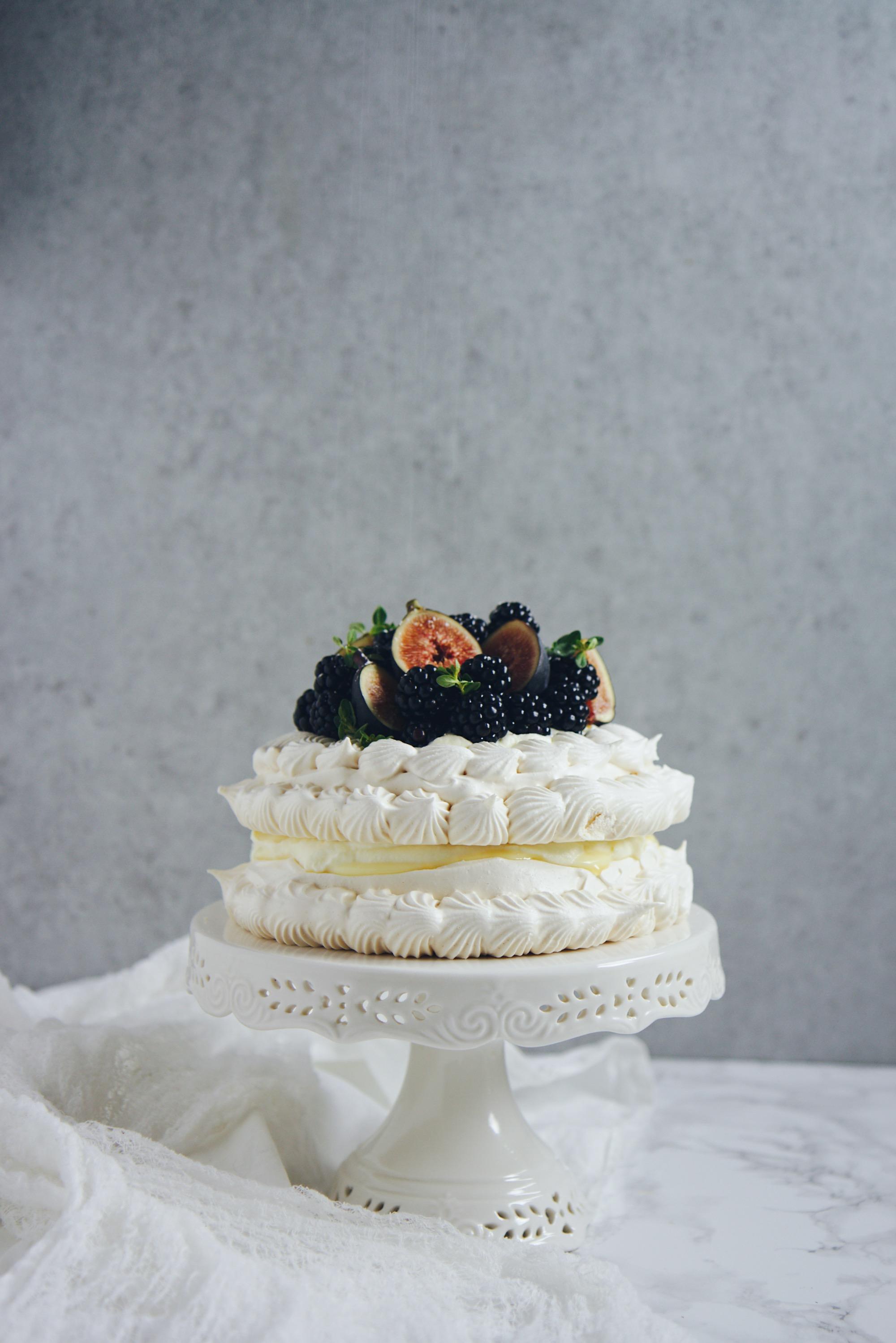 23rd Birthday Pavlova | La Pêche Fraîche