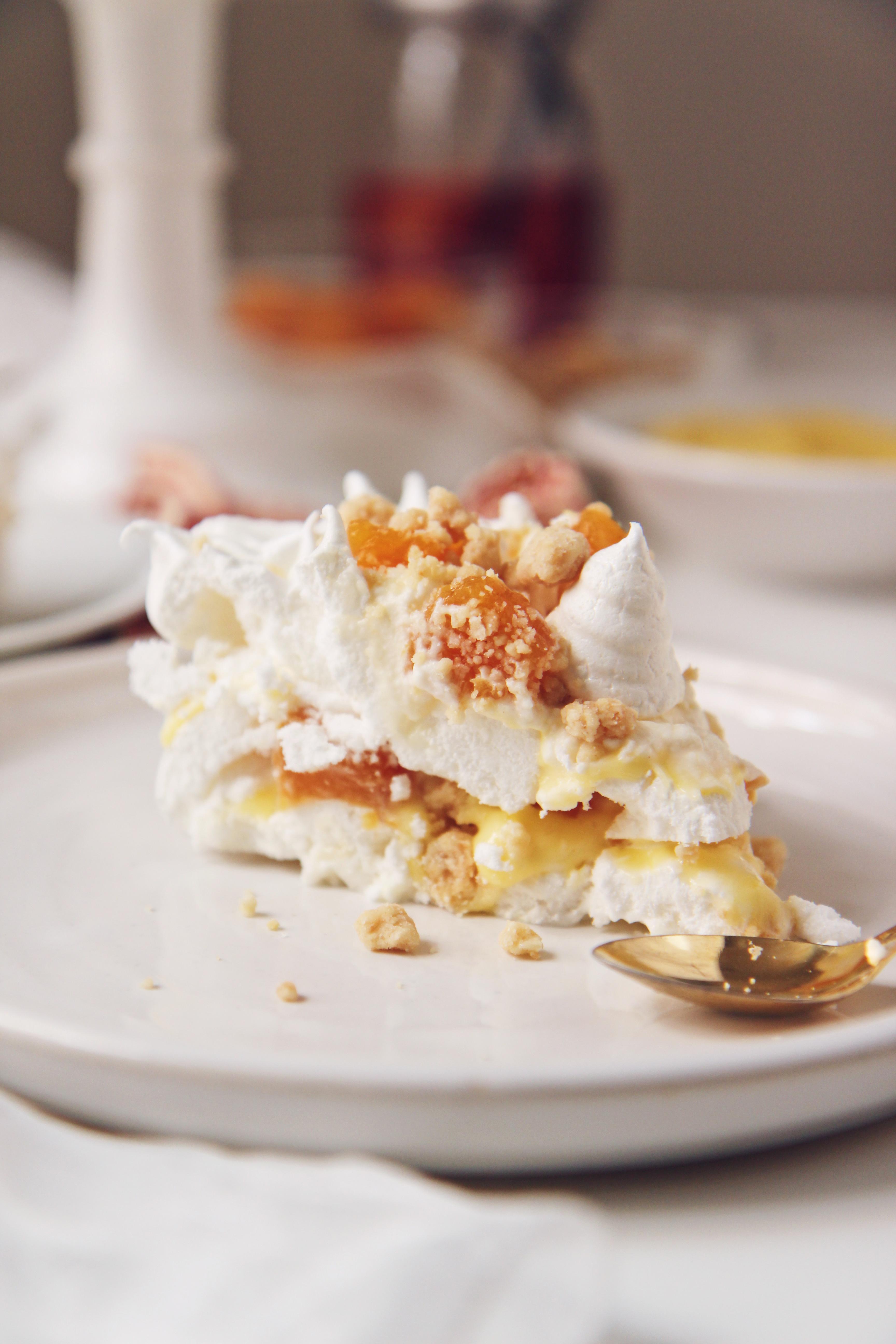 Peach Pie Pavlova | La Pêche Fraîche